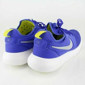 Nike Shoes - Nike Mens Roshe Two Running Shoes Sz 11.5 Blue NWT